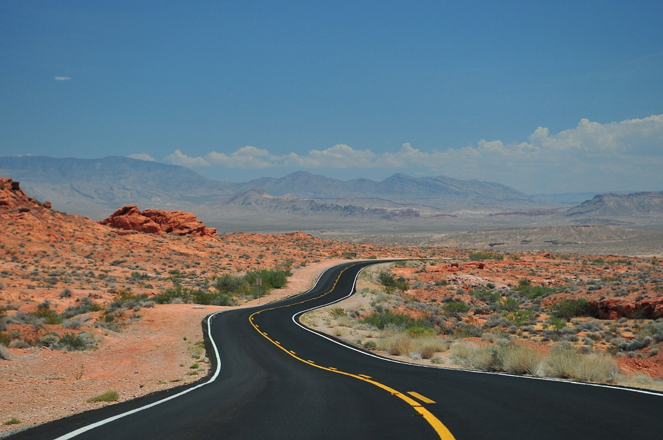 How to Have a Safe and Super Spring Break Road Trip